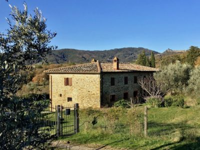 Stone farmhouse in panoramic and strategic position