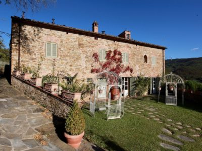 Ref. C106, Tuscany, Charming stone farmhouse with guesthouse